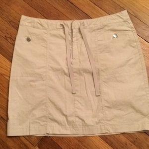 Eddie Bauer tan mini skirt. Size 8